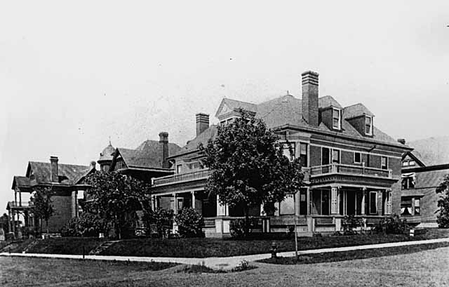 Image:Notoriousnola--William Hamm residence, Cable Avenue (Greenbrier), St. Paul.jpg
