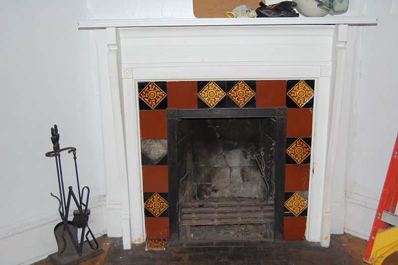 Image:Jaclynsbaker--Florence Court 13-1 Room -2 Fireplace.JPG