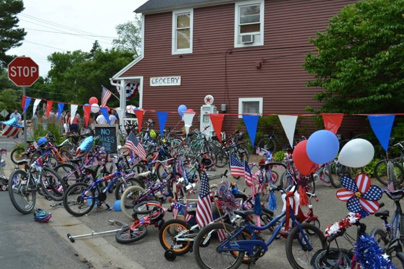 Image:Nystroa--4th of July Cottagewood bikes.jpg